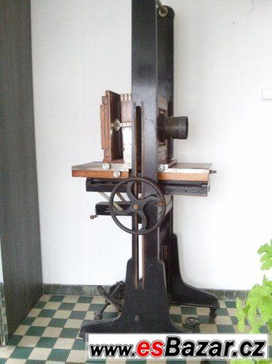 Starožitný ateliérový fotoaparát