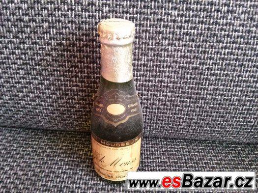 Prodám desítky let starou lahev (plnou)