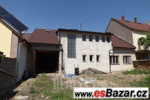 Rodinný dům s velkou zahradou, Lomnice nad Lužnicí, ev.č. 15