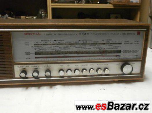 Retro radio TESLA