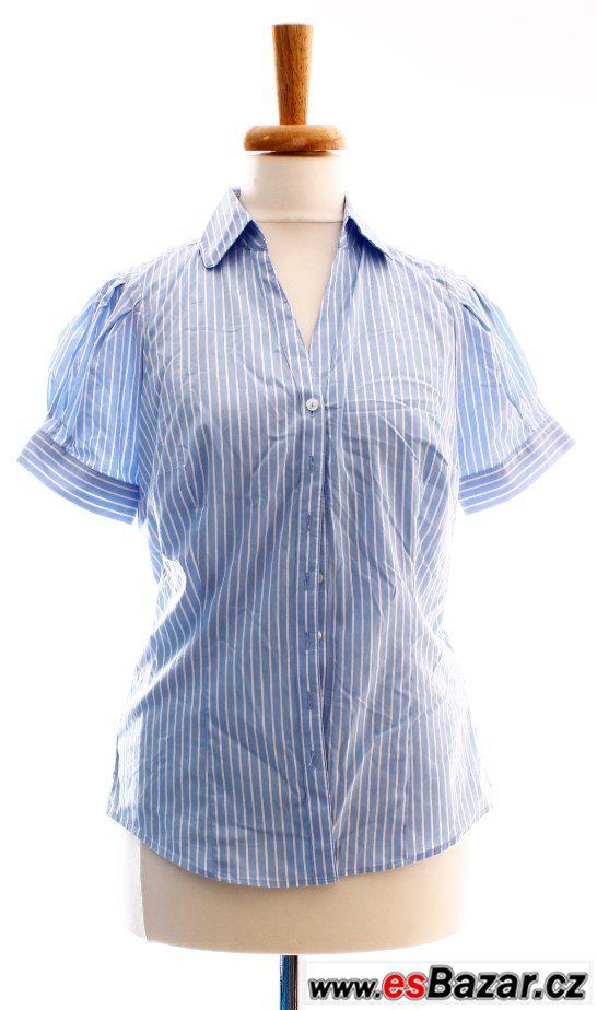 Pruhovaná košile s krátkým ruk.