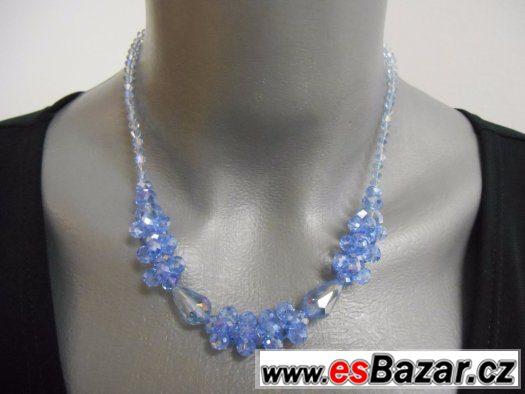 Náhrdelník světle modré skleněné korálky