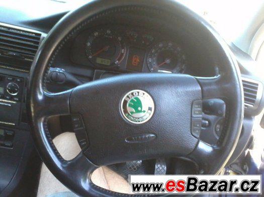 Čtyřramenný multifunkční volant Škoda Superb