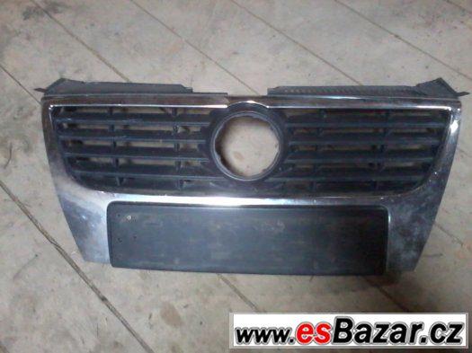 VW Passat B6 přední maska bez znaku.