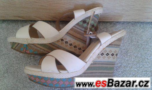 Dámské sandály vel. 38