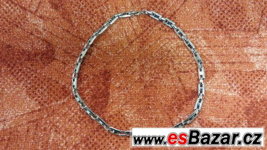 Řetízek z chirurgické oceli