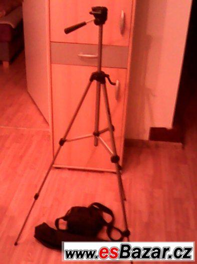 prodám stativ a brašnu na kameru