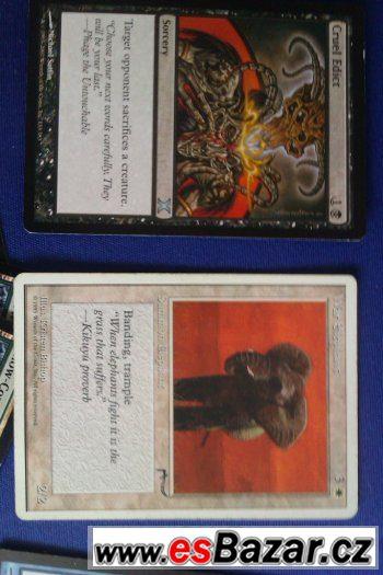 Prodej: 53 karet Magic různé série + 102 obalů