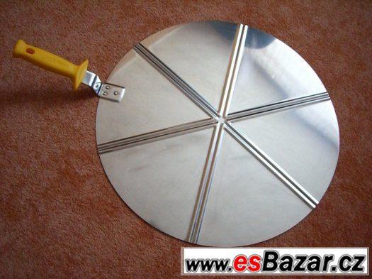 Porcovcí lopatka na pizzu
