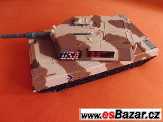 Tank a vojenská základna