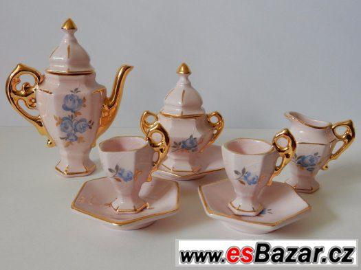 Umělecké miniatury z růžového porcelánu