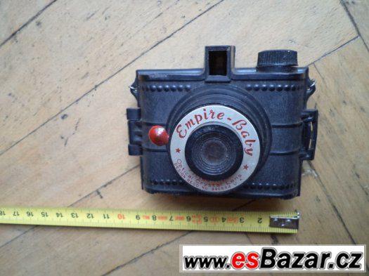 Stará funkční plastová hračka fotoaparátu Empire - Baby