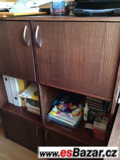 psací stůl a kontainer