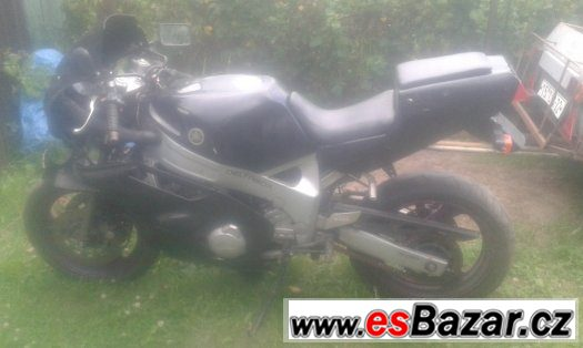 bouraná Yamaha FZR 600 (3HE)