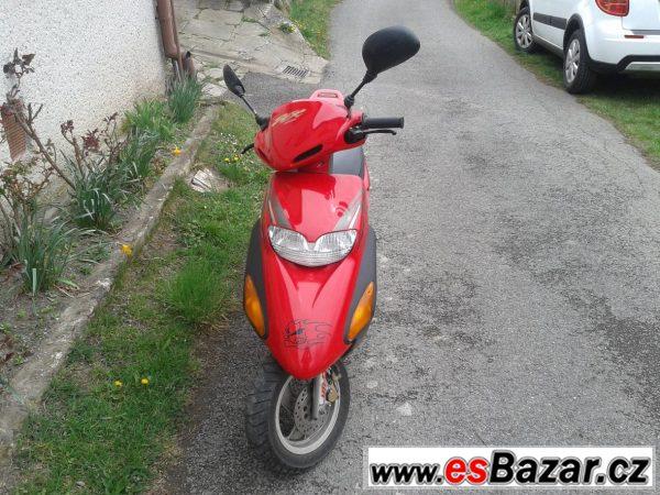 Prodám skútr Honda 50ccm