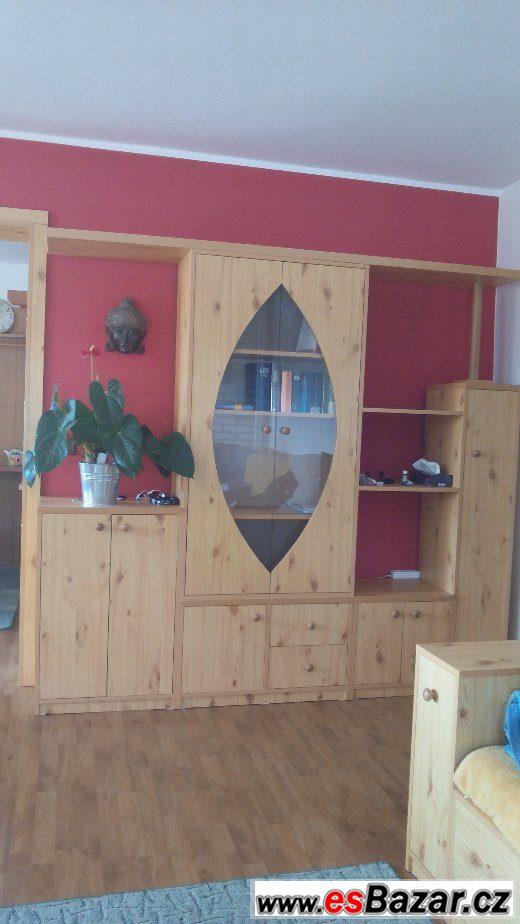 Prodám obývací stěnu a TV stolek