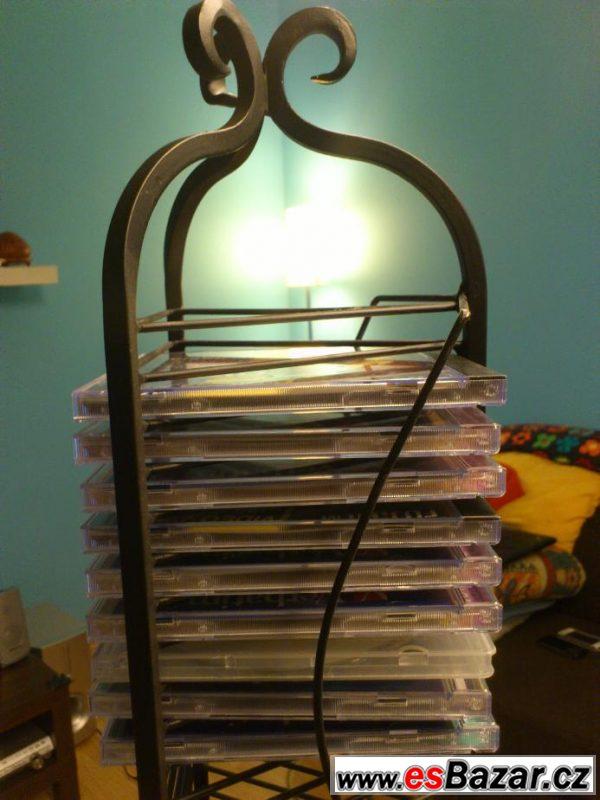 Precizní bytový doplněk - stojan CD