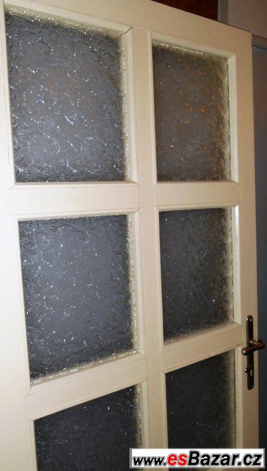 Pravé prosklené dřevěné dveře