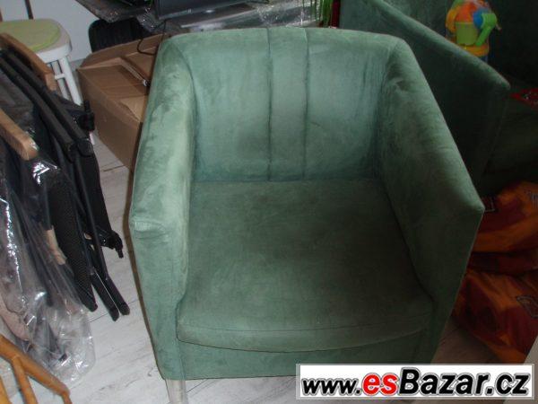Prodán křesla a konferenční stolek