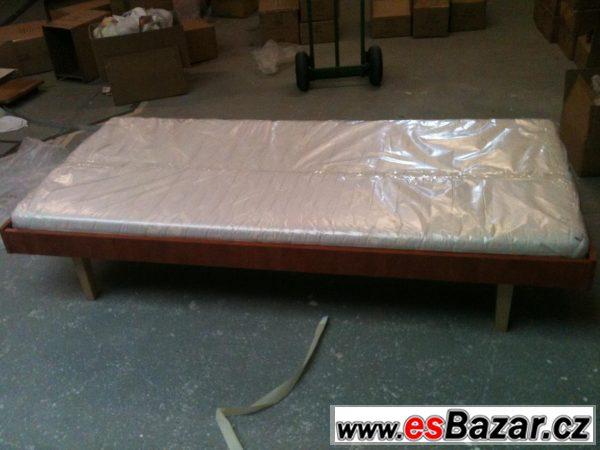Postel + matrace 500 Kč