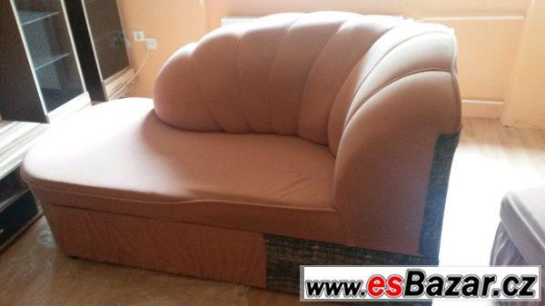 Pohovka + stolek
