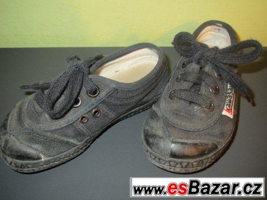 Černé kvalitní tenisky vel. 23, český výrobek