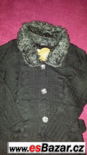 Pletený delší kabátek