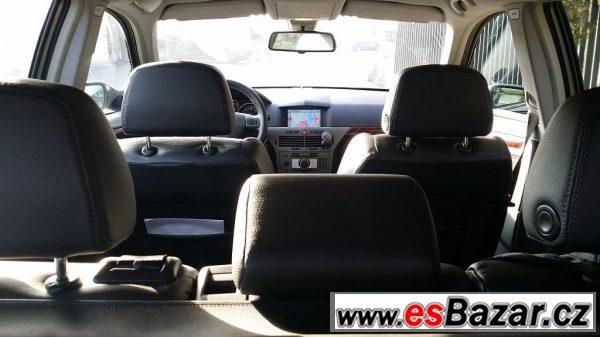 Opel Astra combi 1,9TDI, navi, kůže