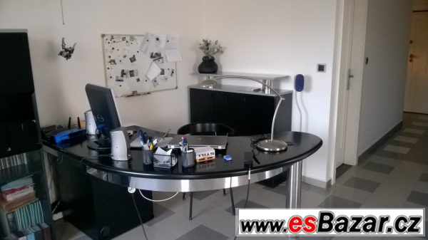 Obývací stěna + pracovní stůl...