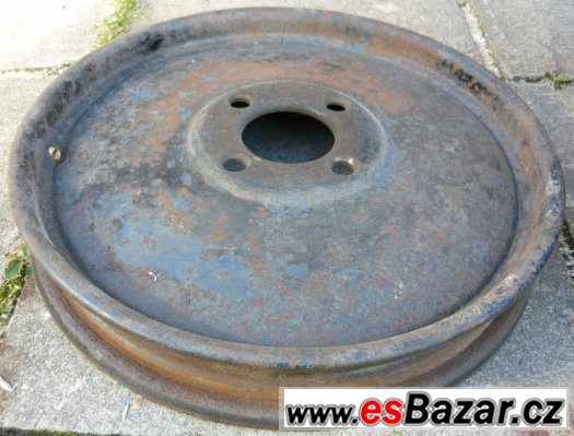 Disky a pneu - poptávka