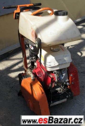 Řezačka asfaltu Norton Clipper CS451