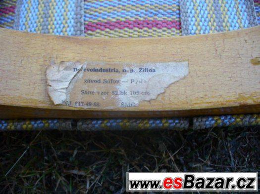 Starší dřevěné sáňky