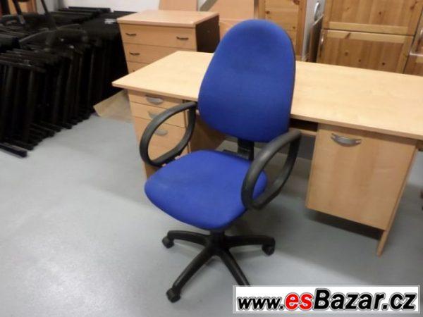 Kancelářská židle na kolečkách