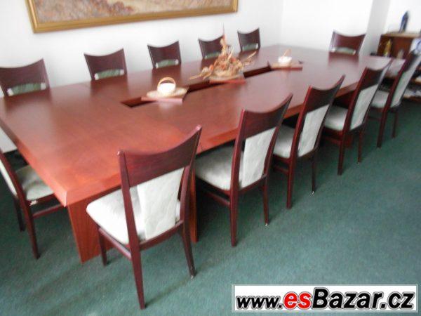 Konferenční stůl a židle