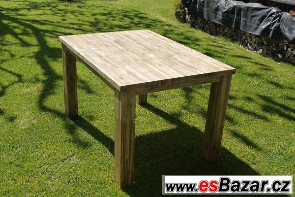 Jídelní stůl Stresa  z masivu