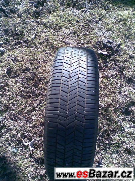 Pěkný stav, dvě pneu, 300 Kč/ks