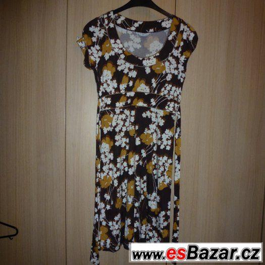 Šaty hnědé s květy