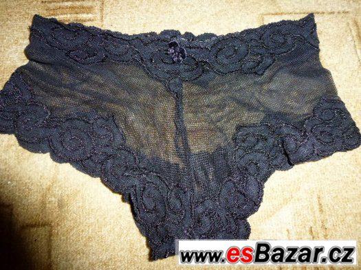 Kalhotky; body; šaty