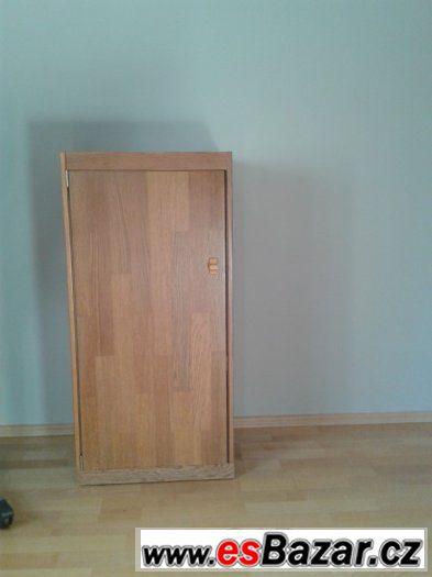 policová skříňka