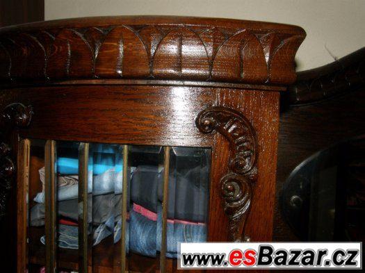 starožitný dobový masivní dubový nábytek