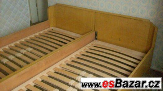 Staré postele, skříně- daruji, dále matrace 190x 90