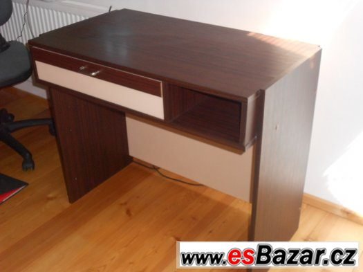 Dětský psací stůl