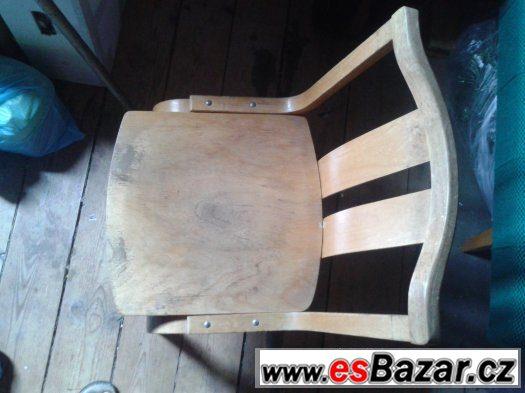 dřevěná židle