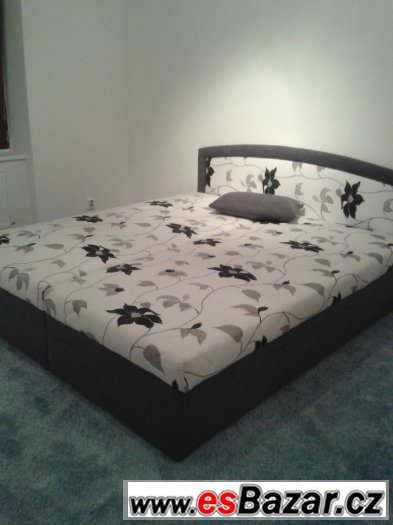 Zánovni postel