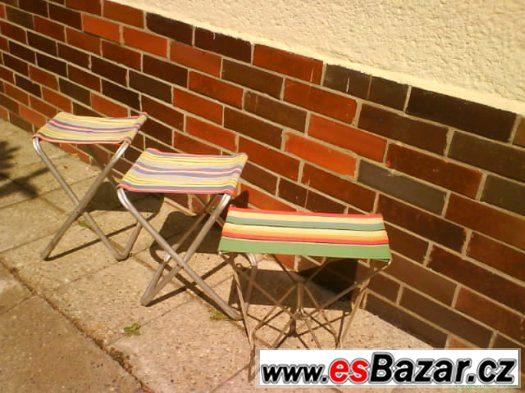 Skládací židličky, lehátko, slunečník