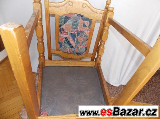 Masívne židle