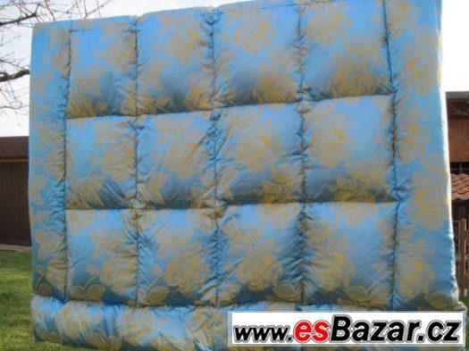 Péřové prošívané deky+polštáře