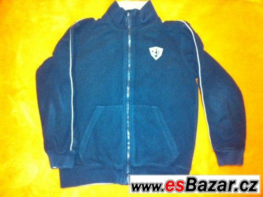 eb01192c6a Prodám tmavě modrou mikinu z pěkného fleecu