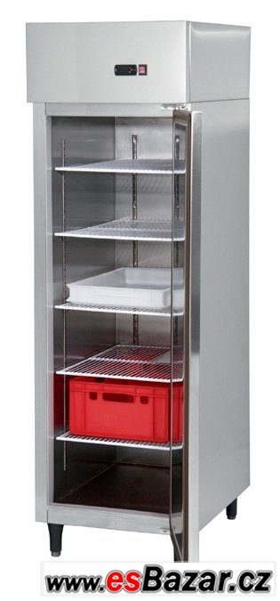 Chladicí vitríny + prodejní pult