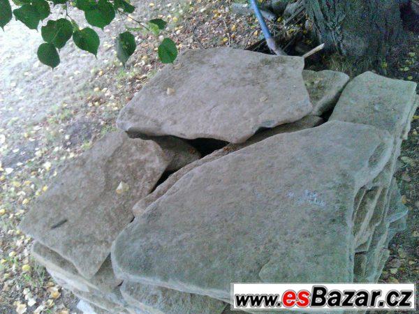 Kamená dlažba -
